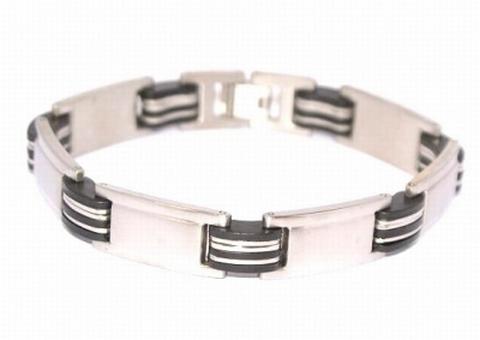 Edelstaal RVS armband met stukjes zwart kunststof