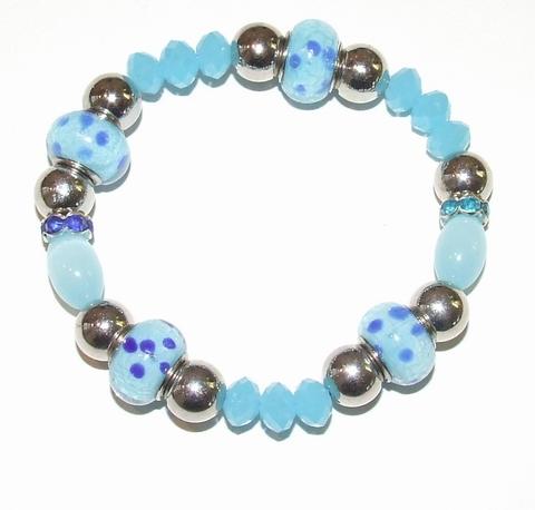 Armband  turquoise 119   Armband met turquoise kralen/strass