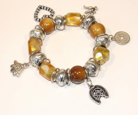 Armband okergeel 88992 | Trendy armband met bedels okergeel