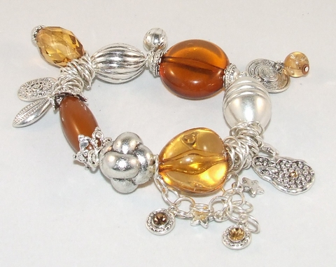 Armband bruin 45451 | Trendy bruine armband met bedels