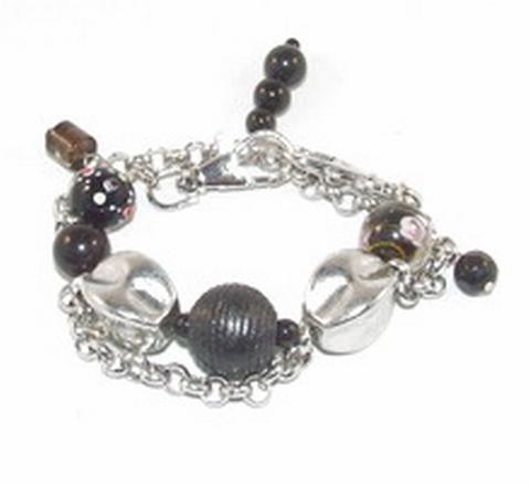Armband zwart 0167 | Trendy armband met kunststof/glaskralen