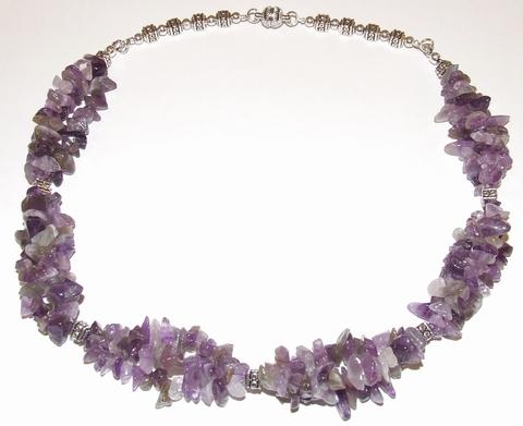 Ketting paars 404042   Ketting met paarse natuursteentjes