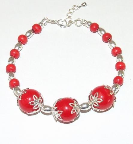 Armband rood 1004   Rode armband met glaskralen