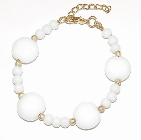 Armband wit 23941 | Armband glaskralen goudkleurig