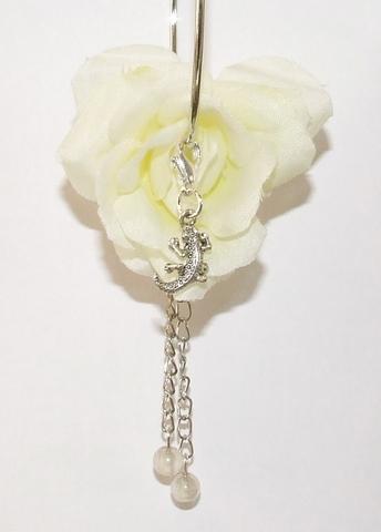 Oorbel bloem 95166   Witte bloemoorbel met bedels roos GTST