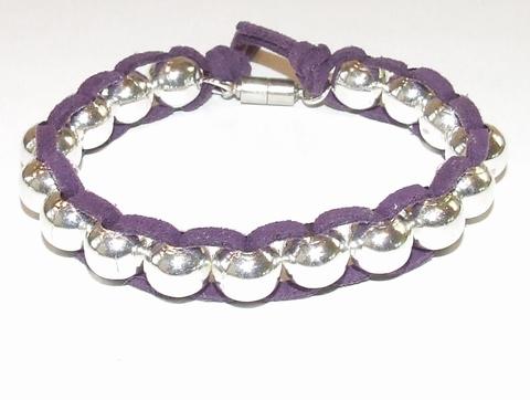 Armband paars 37 | Armband zilverkleurige kralen+veter