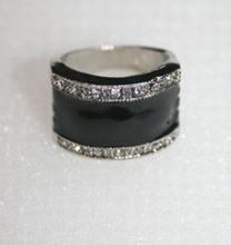 Trendy ring met echte strass steentjes zwart