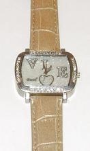 Horloge echt lederen band, wijzerplaat met strass steentjes